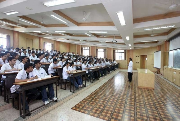Dr Dy Patil Medical College Neet Cutoff Rank Fees Admission